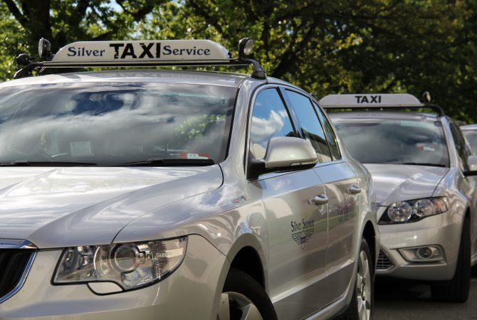 Silver Service Canberra taxis ranking at an event